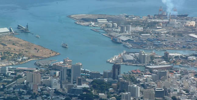 Helicopter sightseeing flight tour exclusive mauritius attractions - Flights to port louis mauritius ...