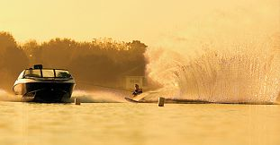 Waterskiing in Pointe d'Esny