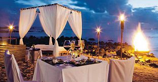 Romantic Candlelight Beach Dinner