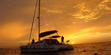 Private sunset cruise west coast mauritius (1)