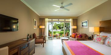 Sands Resort & Spa-Beach Front Suite