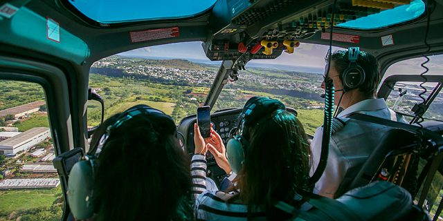 Private group helicopter sightseeing tour (4)