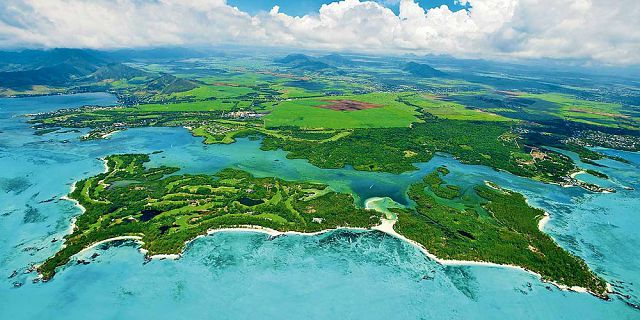 Mauritius coastline and islets tour helicopter flight (11)