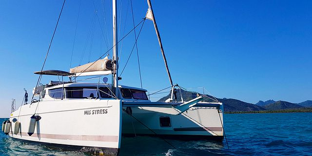 Private overnight catamaran cruise with dinner snorkelling (7)
