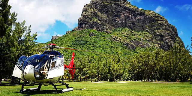 Ultimate helicopter sightseeing tour in mauritius (3)