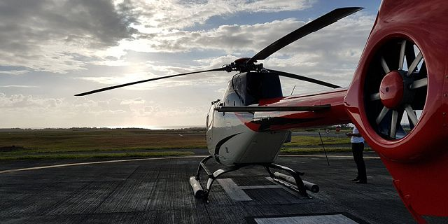 Helicopter sightseeing tour in the north (6)