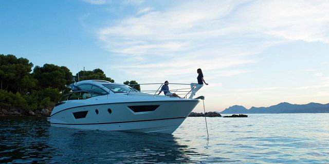 Exclusive half day dolphin watching yacht trip snorkelling (2)