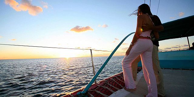 Catamaran sunset dinner cruise mauritius