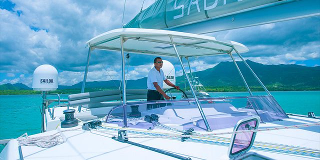 Overnight private luxury catamaran cruise (2)