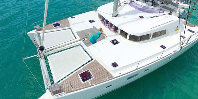 Overnight private luxury catamaran cruise (6)