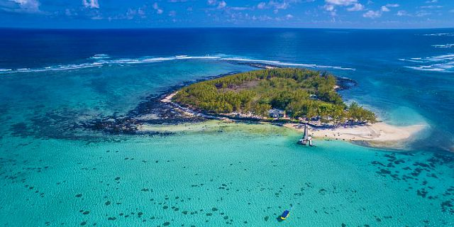 Glass Bottom Boat To Blue Bay Marine Park - Mauritius Attractions