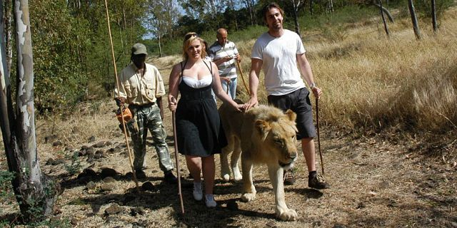 35 Walking with lions excursions