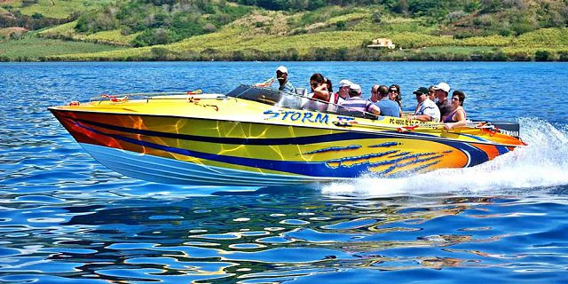 Private speed boat east coast cerfs blue (9)