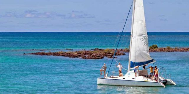 Exclusive private catamaran cruise in mauritius (3)