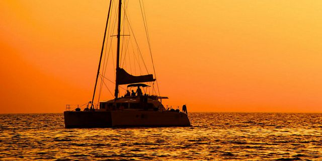 Private catamaran 2 hours sunset cruise west coast (1)