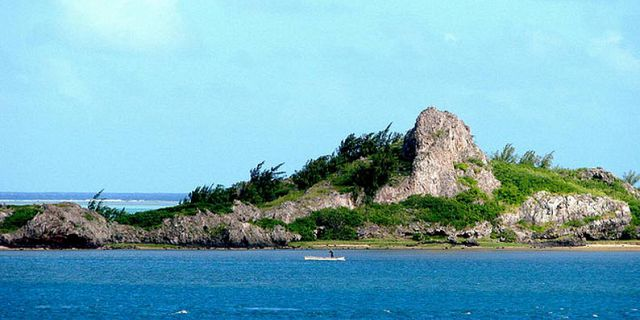 Ile Aux Chats and Hermitage Island (4)