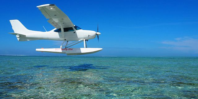 Seaplane flight at le morne mauritius southwest (3)