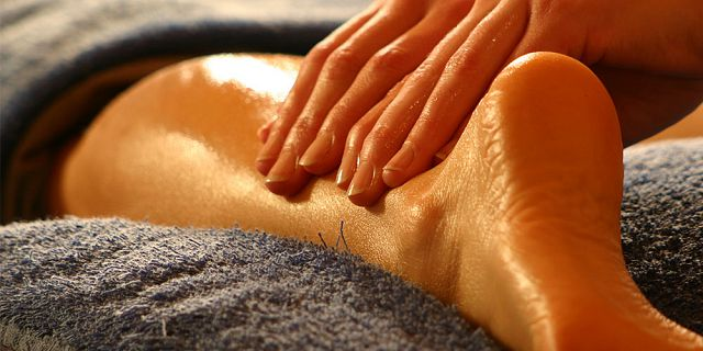 Traditional foot reflexology treatment 40 mins (4)