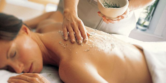 Full body scrub treatment 30 mins (1)