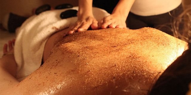 Full body scrub treatment 30 mins (3)