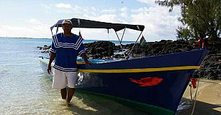 Private Traditional Mauritian Boat Trip To Coin de Mire