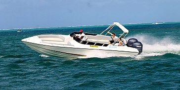 Private Speed Boat Trip along the East Coast of Mauritius