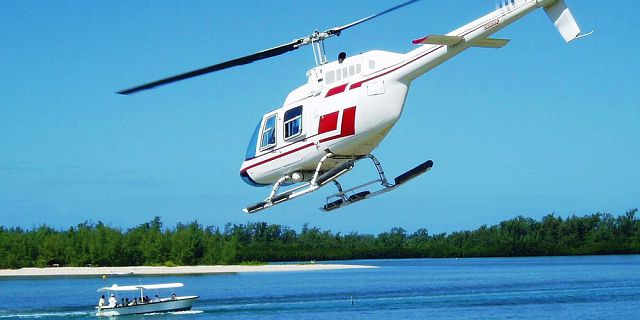 Mauritius coastline and islets tour helicopter flight (12)