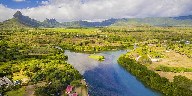 Mauritius cities coastlines helicopter tour (4)