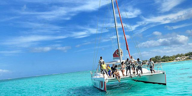 Catamaran Cruise To Ile Aux Cerfs From Mauritius South