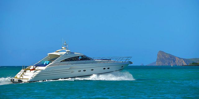 Exclusive private full day yacht cruise in the north (2)