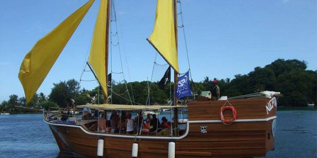 Pirate Boat Cruise to Ile aux Cerfs Island - Mauritius Attractions