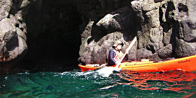 Cave Sea Kayaking – West Coast - Mauritius Attractions